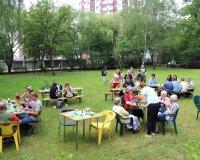 Dzień dziecka w ogrodzie Domu Pomocy Społecznej nr 2