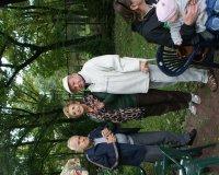 Mieszkańcy uczestniczą w pikniku