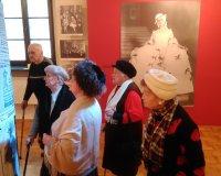 Mieszkańcy na wystawie